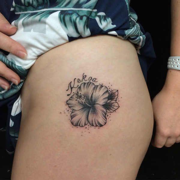 Tatuaz Kwiat Hibiskusa Znaczenie Historia 80 Zdjec Flower Tattoo Compass Tattoo Tattoos