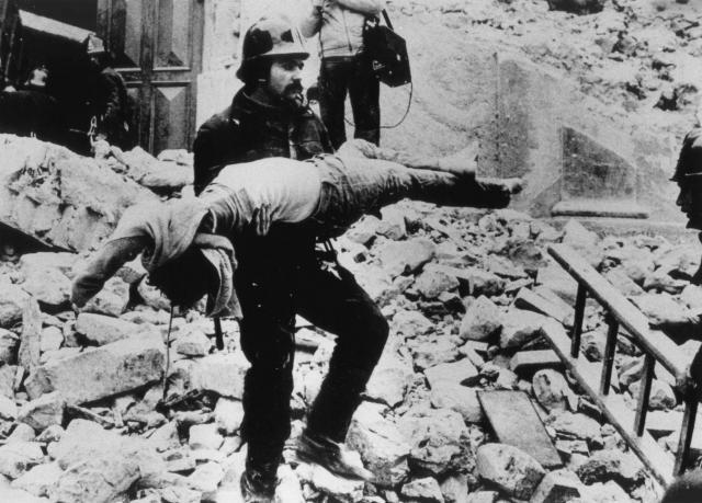 1980 - Terremoto in Irpinia e Basilicata (Ansa)