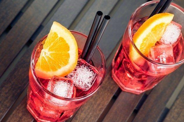 Ken jij dit drankje met rosé en aardbeien al? - Gazet van Antwerpen: http://www.gva.be/cnt/dmf20160621_02349622/wordt-frose-de-nieuwe-verfrissende-zomerdrank?hkey=fb44d8b6182648796b50228d101f77b6