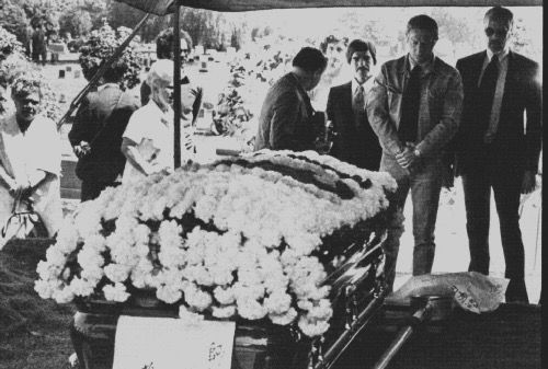 17 Best images about Bruce Lee's funeral on Pinterest ...