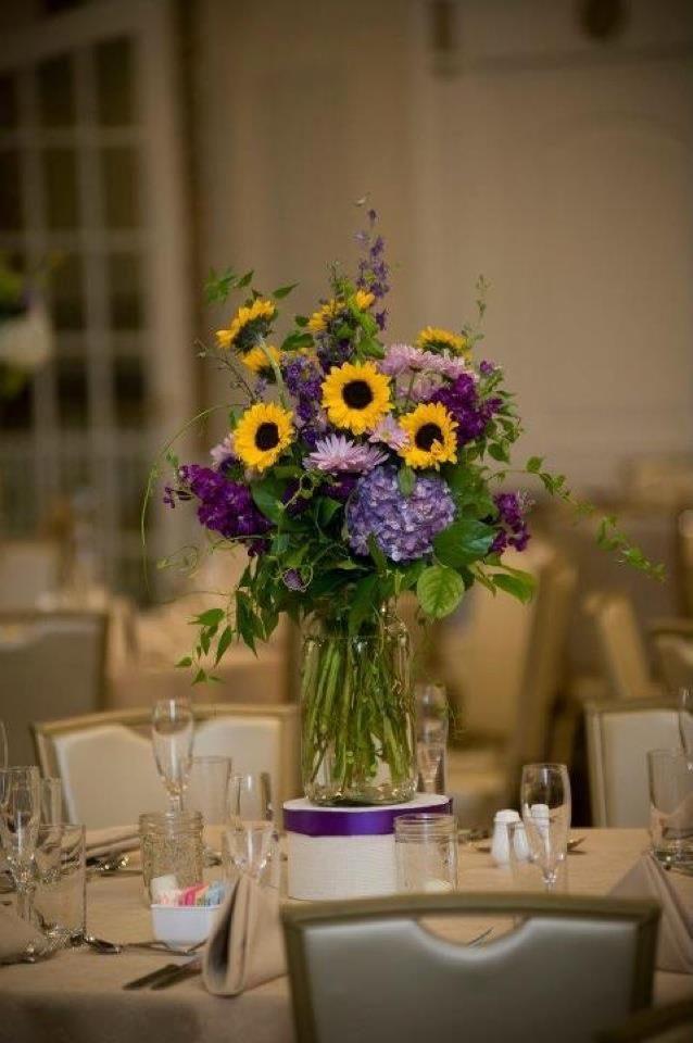 mason jar centerpieces with sunflowers and hydrangea