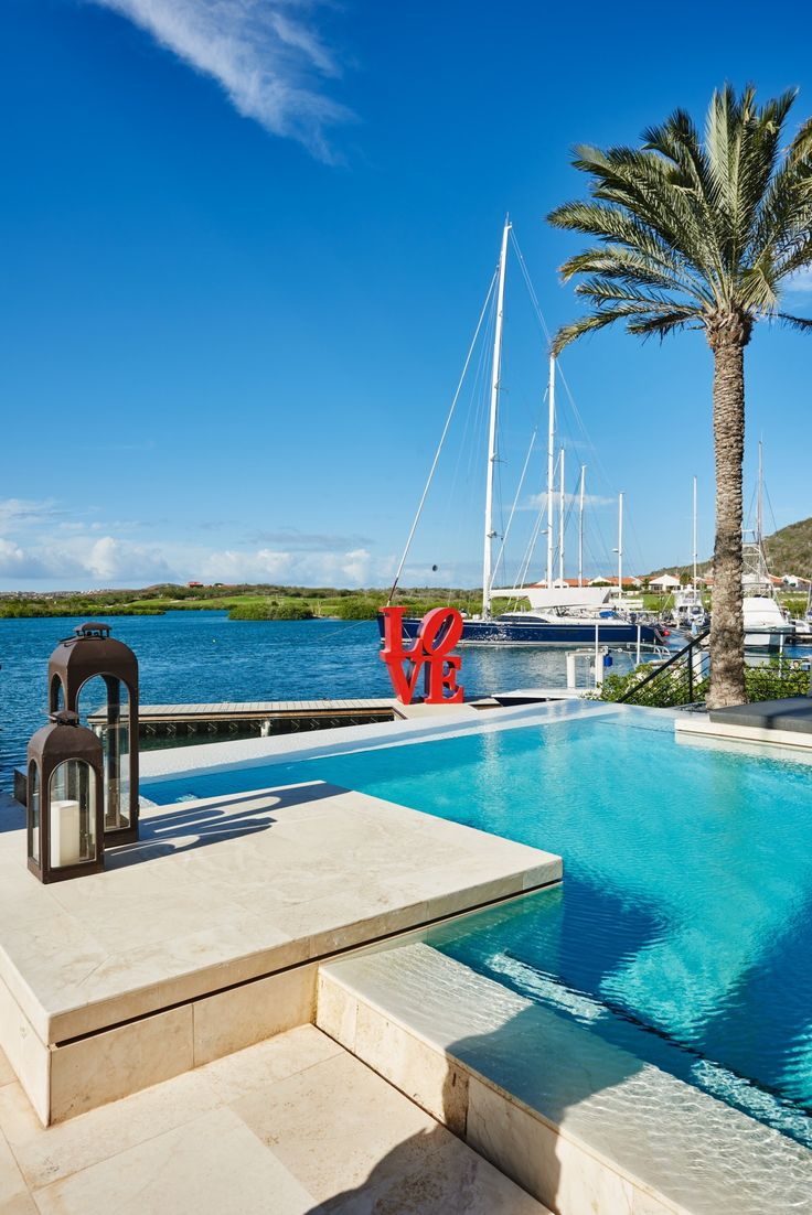 The dutch antilles curacao private residence back yard and swimming pool