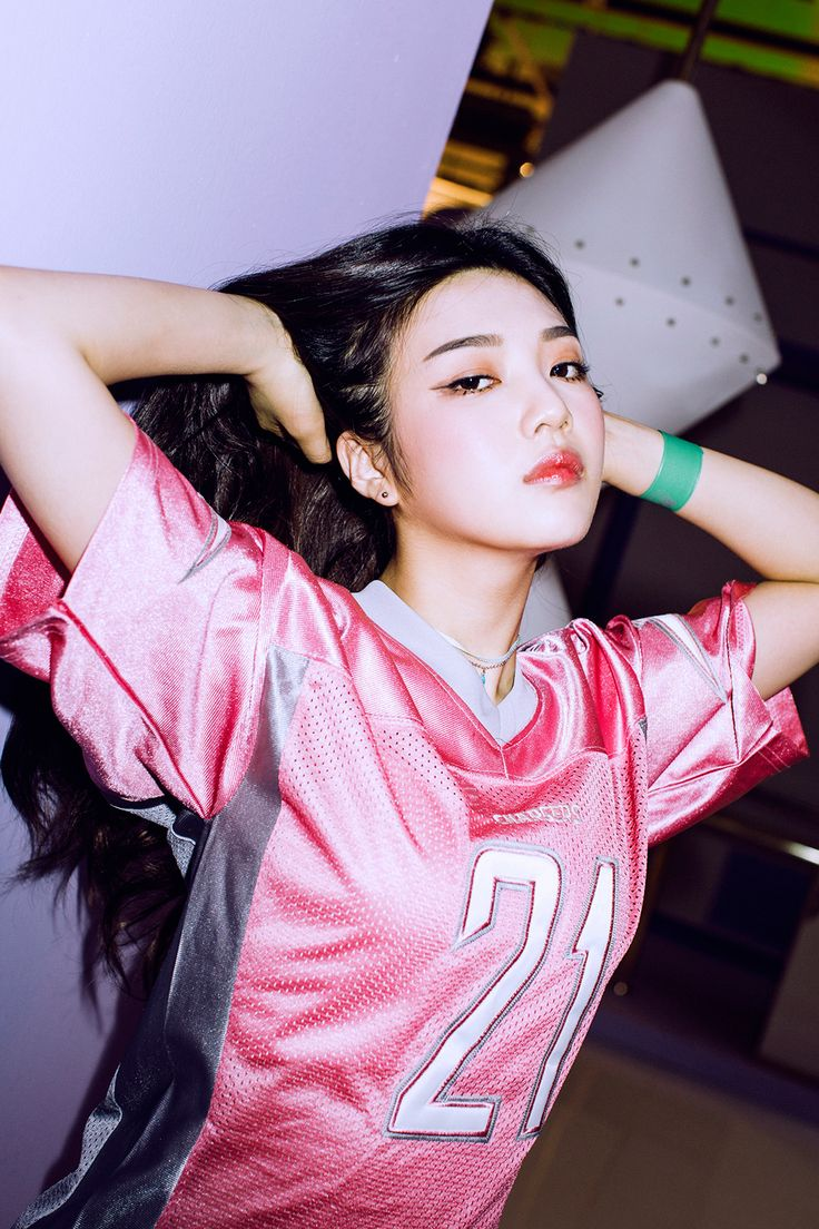 Red Velvet are Retro Chic in Individual Teasers + Additional Teaser Clip! | Koogle TV