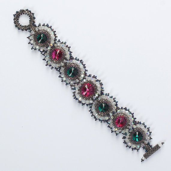 Beadwoven Crystal bracelet with Swarovski crystals. by Renarta