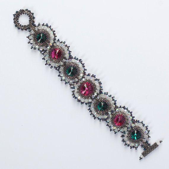 Beadwoven Crystal bracelet with Swarovski crystals. by Renarta