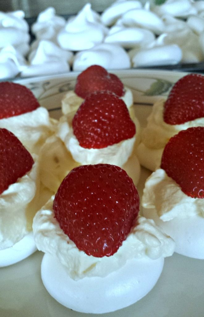 Meringues with Passionfruit Cream and Strawberries - Rosehips and Rhubarb