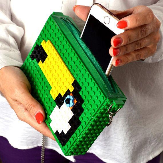 Groene crossbody portemonnee met toucan gemaakt met LEGO®
