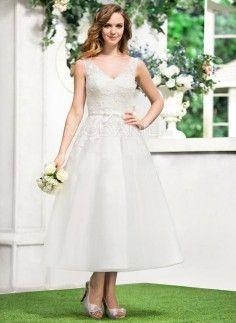 Col en V robe de mariée mi-longue en dentelle pas cher