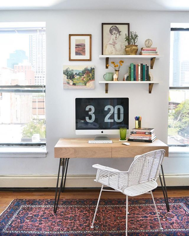You don't need a big space to have a beautiful workspace // via @workspacegoals on Instagram