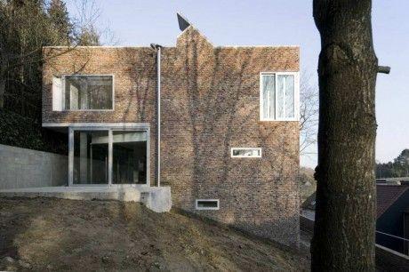Stine Gybels House 4 460x306 Дом на склоне в Бельгии