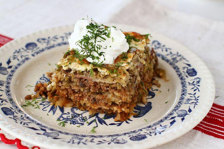 Varză à la Cluj, rețetă cu poze. Cum se face rețeta de varză à la Cluj originala. Varză a la Cluj cu carne și varză acră, istoric, ingrediente și preparare.