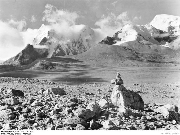 File:Bundesarchiv Bild 135-KA-04-044, Tibetexpediton, Landschaftsaufnahme.jpg Tibetexpediton, Landschaftsaufnahme Kianglager, Blick auf Gordama-Gruppe vom Kianglager aus gesehen Depicted place Tibetexpedition Date 1938