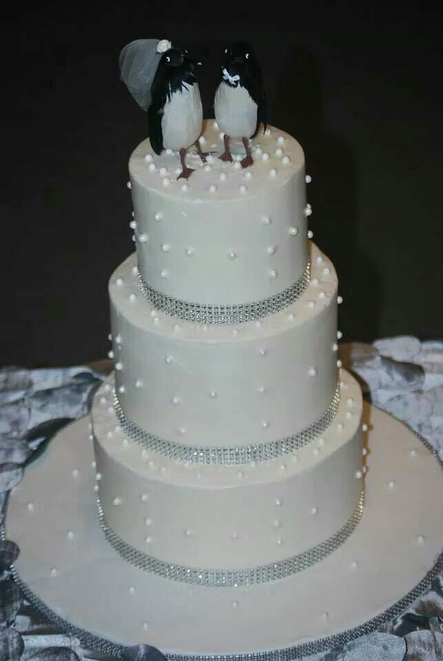 wedding cakes with diamonds and pearls and pearls wedding cake cake inspiration 26019