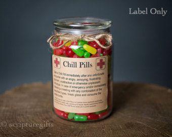 Chill píldora CUMPLEAÑOS auto-adhesivo etiquetas por scripturegifts