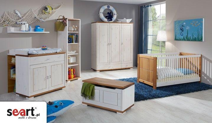 Kolekcja dla dzieci Amelka to doskonałe rozwiązanie dla młodej rodziny, w której znajdziemy łóżeczko dziecięce, komodę do przewijania, półki, szafy i skrzynie, wszystko to, co przyda się w pokoju Twojego dziecka. Wszystkie meble wykonane są z litego drewna sosnowego. Twarda powierzchnia drewna jest wykończona pięcioma różnymi kolorami - naturalny olej, miodowy, biały (z widoczną strukturą drewna) i biało-miodowy lakier.