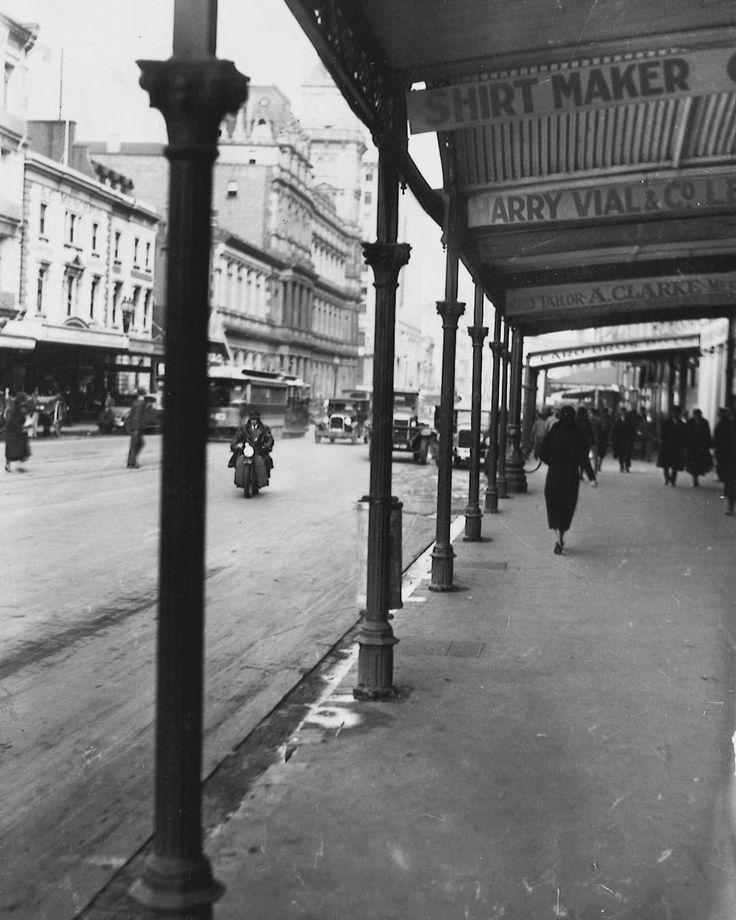 1935. Elizabeth Street, Melbourne. Harry Vial's store (signage at top right) was at 201 Elizabeth St. . #melbourne #melbournecity #1930s #elizabethst #monochrome #vintage #blackandwhite #vintage #streetlife #elizabethstreet #archives #30s #bw #melbmoment #streetphoto #bnw #melbournehistory #streetscene #streetshot #streetphotography #streetphoto #street melbournelife #inthestreet