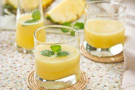 Συνταγή: Πεντανόστιμος χυμός που εξαφανίζει το λίπος της κοιλιάς. Ο διατροφολόγος Δημήτρης Γρηγοράκης εμφανίστηκε στην εκπομπή της Τατιάνας Στεφανίδου «Μίλα» και προτείνει έναν εύκολο στην παρασκευή χυμό με τον οποίο μπορείς να κάψεις το λίπος στην κοιλιά. Ο χυμός αυτός καίει το λίπος καθώς είναι εξαιρετικά