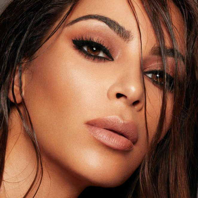 #KoreanMakeupLook #EyeMakeupBlue   Kim kardashian makeup ...