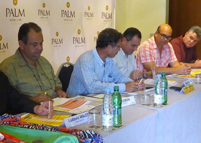 Le programme de la Fête de la musique et des Agrumes, qui se tiendra du 19 au 21 juin prochain au centre-ville de Petite-Île, a été dévoilé par la municipalité. L'occasion de faire un point sur les festivités et sur la production locale d'agrumes. Au cours d'un point presse au Palm Hôtel de...