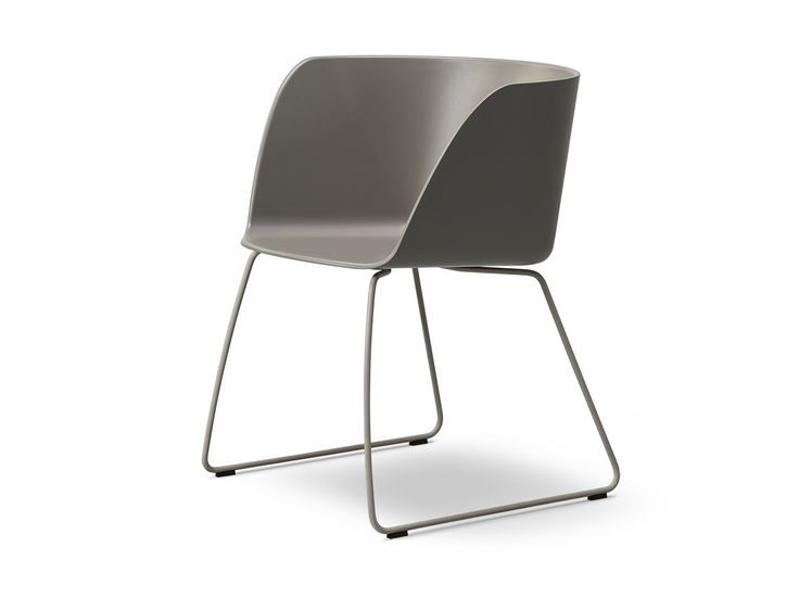 VERVE Sled Base Chair Verve Collection By FREDERICIA FURNITURE Design  GECKELER MICHELS
