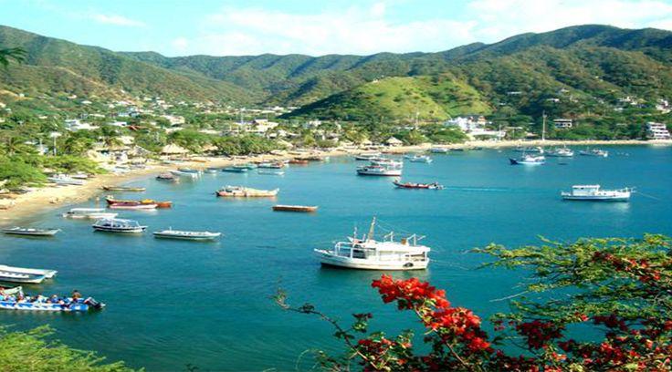 Santa Marta es la niña consentida del Mar Caribe, por eso la ha adornado con hermosas playas ubicadas a lo largo de la bahía que se extiende a los pies de la Sierra Nevada. Muchas de ellas están consideradas entre los litorales más bellos del mundo, por eso al viajar a este destino estas son las…