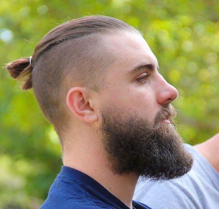 coupe cheveux homme long top knot undercut