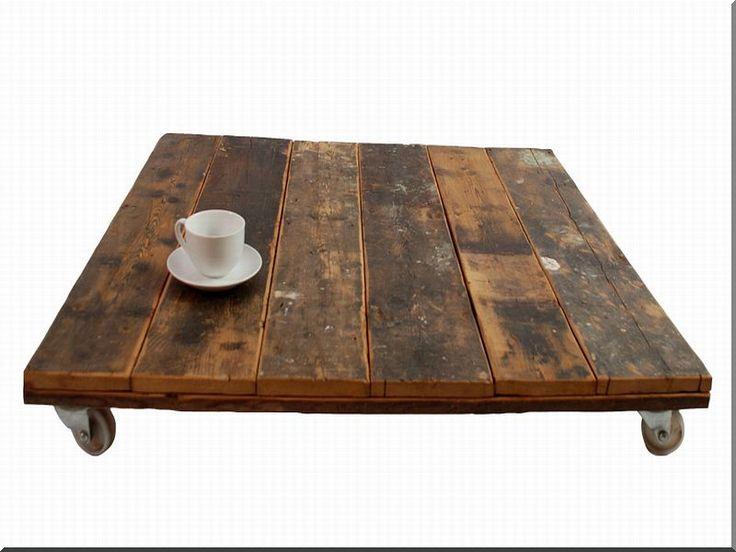 Antik faanyagból kis kávézóasztal