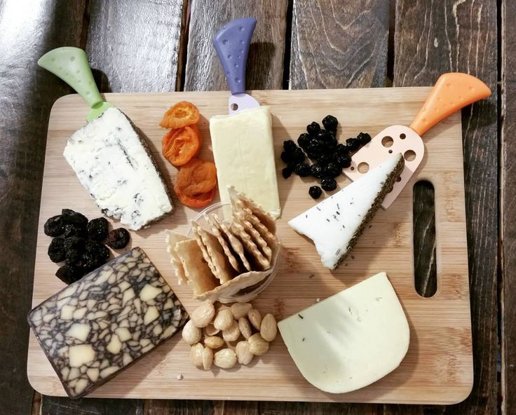 Did you know we will make the cheeseboard of your dreams here at the Creamery in Bandon?! We carry our cheese (of course!) as well as a variety from other local creameries to add to the mix. PC | IG:shawn_lehman