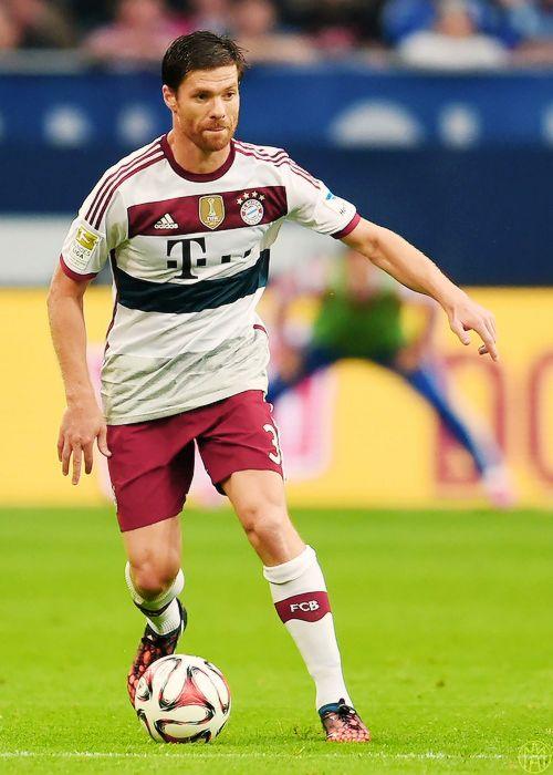 Xabi Alonso, First game for Bayern Munich