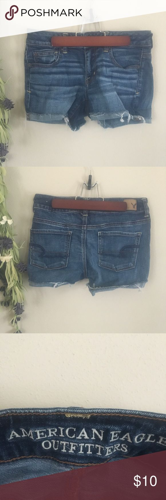 "American Eagle Jean Shorts 🏷 cutoff cuff jean shorts 🔎 good condition  📋 super stretch style - cuff down inseam: 4""  📦  ships within 24 hours (weekdays) 📦 💵  most reasonable offers accepted 💵 💬 questions are always encouraged 💬 📫 receive a response within an hour 📫 American Eagle Outfitters Shorts Jean Shorts"