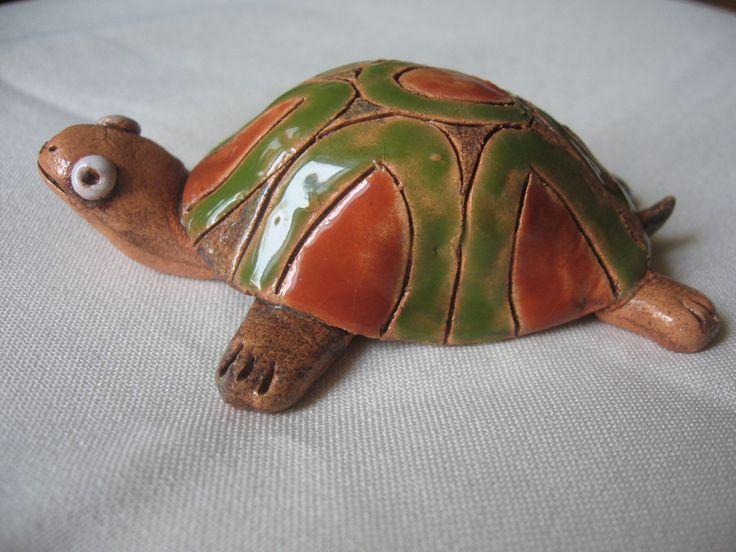 Želva z keramiky