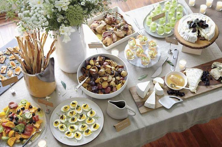 Organic buffet-style fall table spread - Decoist