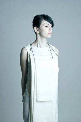 T.Cočevová z kolekce Schoulení, minimalism, fashion, foto: Tereza Ondrušková #design #czechdesign