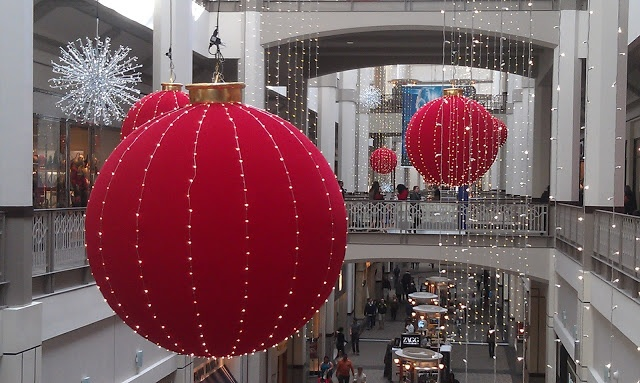 Beautiful Christmas Ornaments at Providence Place Mall. [Source: Thriving Nature]