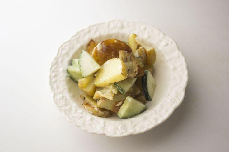 Recette de salade de pommes de terres grillées et concombres