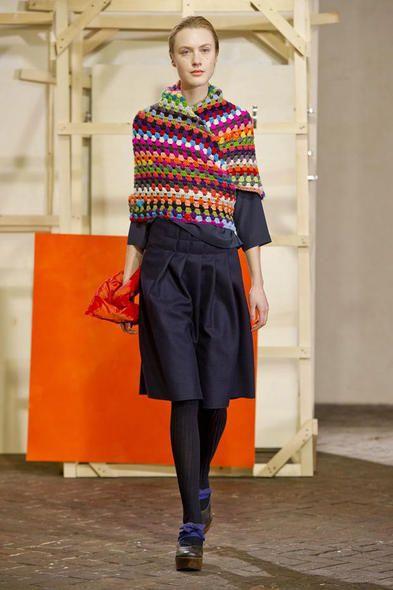 Ecco uno dei modelli della collezione autunno inverno 2014-2015 presentato a Milano Moda Donna da Daniela Gregis