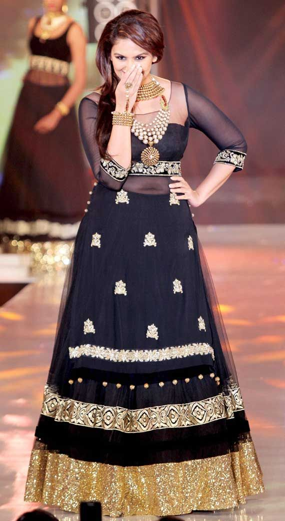 Huma Qureshi at IIBS fashion show