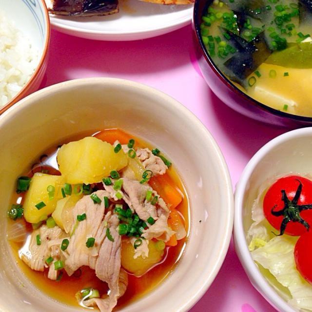 久しぶりに豚じゃがが食べたくなって♡ やっぱり美味しい(´౿`) - 99件のもぐもぐ - 手作り♡豚じゃが、ホッケみりん、豆腐とわかめのお味噌汁、サラダ。 by mari♡(もも୧⃛(๑⃙⃘◡̈๑⃙⃘)୨⃛)