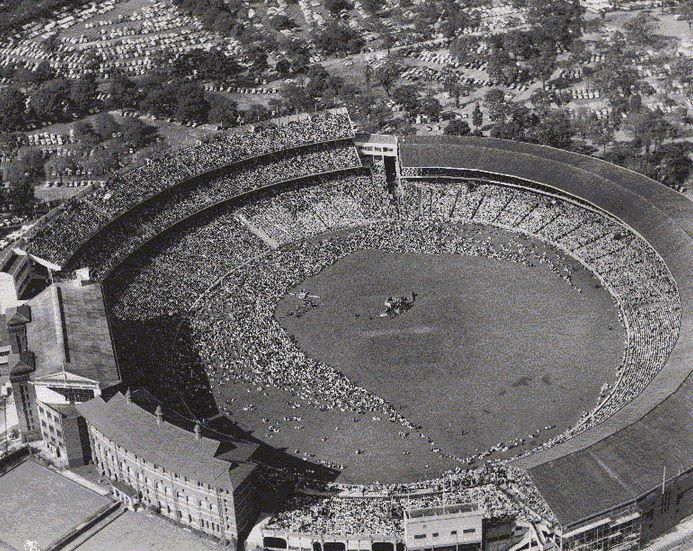 Crowd at the final meeting of the Melbourne Crusade, at the Cricket Grounds, March 15, 1959