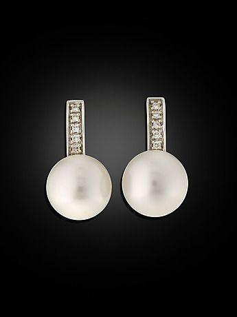 127704. ÖRHÄNGEN, 18 kt guld och vitguld med 2 odlade pärlor, ca 10.5 mm, och 10 små briljanter ca 0.10 ct. – Auctionet