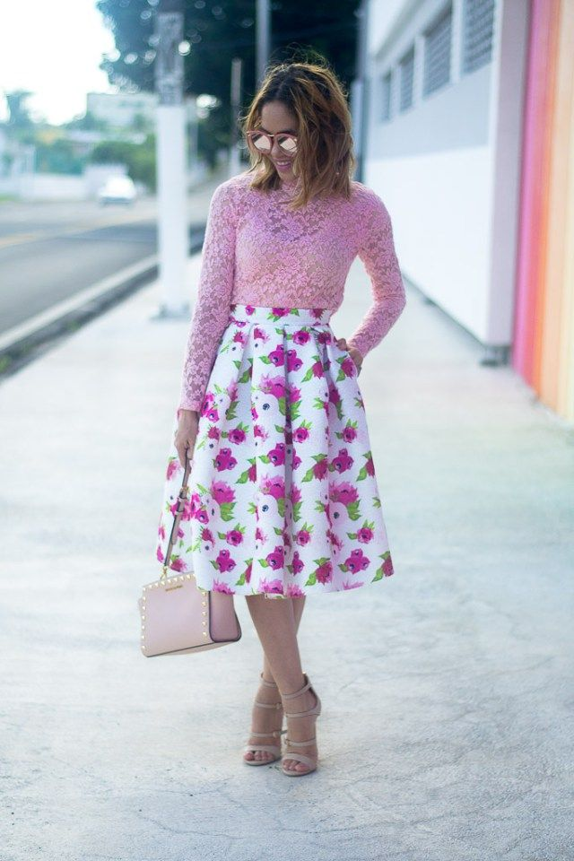 Pink outfit look. Midi skirt and lace top