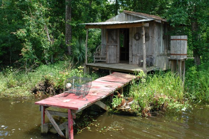 This Cajun Cabin is a replica of the kinds of homes displaced 'Acadians' used to inhabit before their isolation in Louisiana's wetlands was interrupted by the discovery of oil & gas in the region.