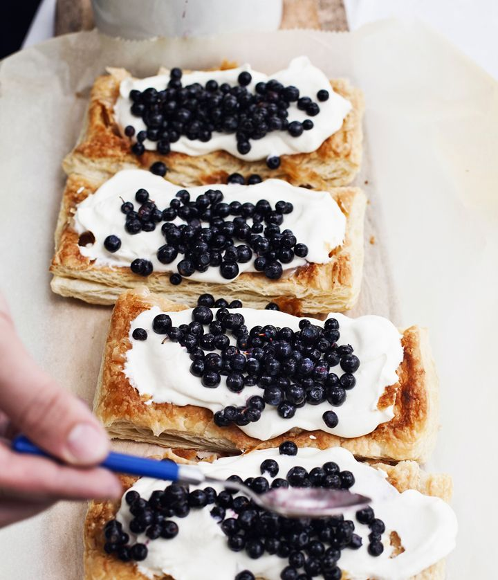 ... Tarts, Puff Pastries, Pie Recipes, Whipped Yogurt, Greek Yogurt