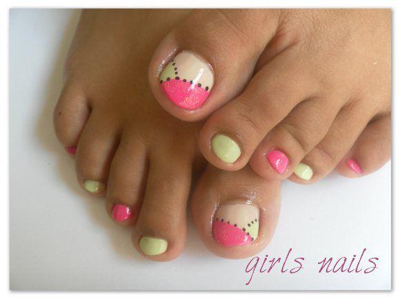 uñas de pies                                                                                                                                                                                 Más