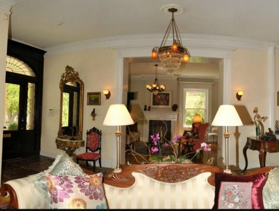 What Is A Parlor Room In A House