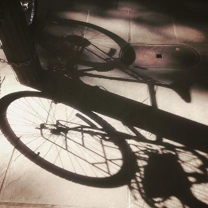 #lifeisgood #nola #neworleans #nowyorlean  #luizjana #nola #frenchquarter #royalstreet #usa #louisiana #igersneworleans #iloveneworleans #bike #shadow by iga_robi_zdjecia