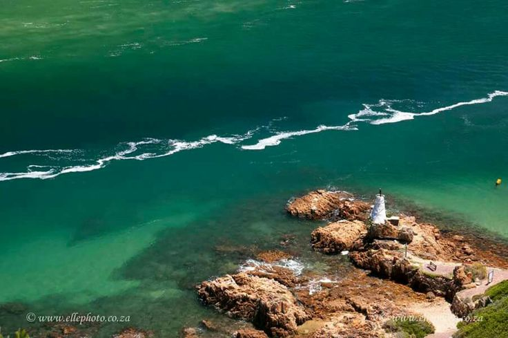 See the shipwreck The Paquita wreck seen from above #knysna #gardenroute #ellephotosa  Photo Elle photography