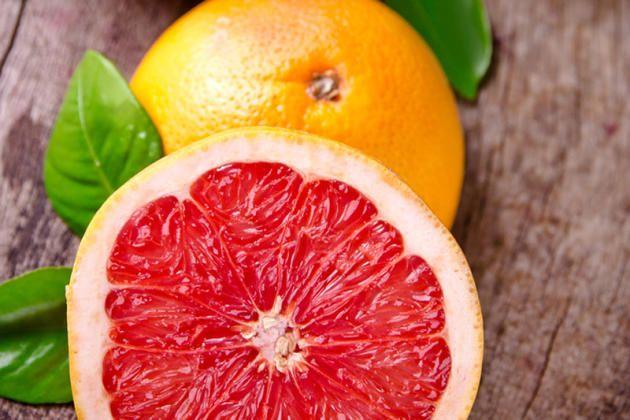 100 Gramm Grapefruit enthalten 9 Gramm Kohlenhydrate