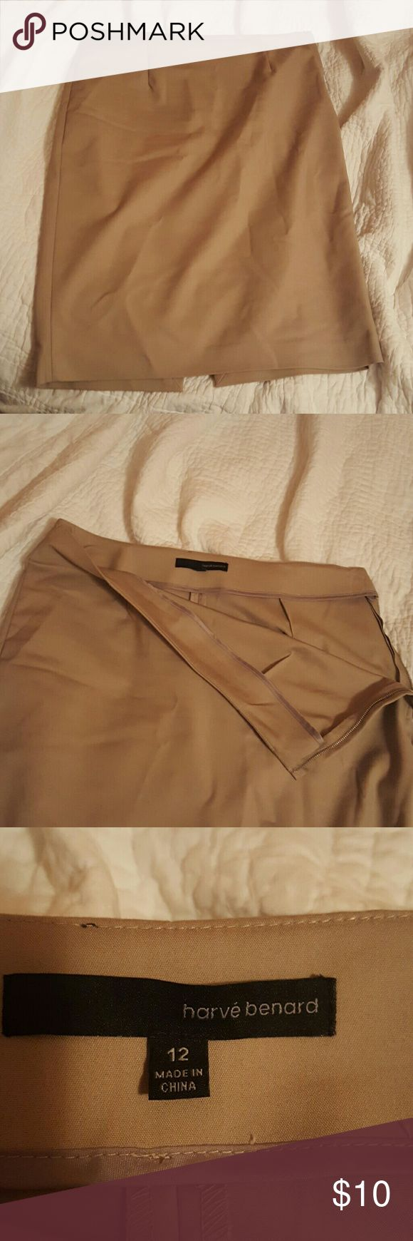 Harve Bernard Tan Pencil Skirt This skirt is in perfect condition! It just needs a little ironing. It is amazingly comfortable material! Not like other stiff pencil skirts. Harve Benard Skirts Pencil