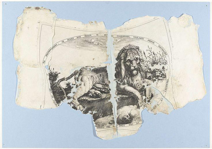 Jacob de Gheyn (II) | De grote leeuw, Jacob de Gheyn (II), Joos de Bosscher, c. 1590 - c. 1596 | Leeuw liggend in ovaal kader waarin randschrift. Prent maakt deel uit van 27 andere exemplaren van deze gravure, grotendeels gereconstrueerd uit twee tot vier fragmenten.